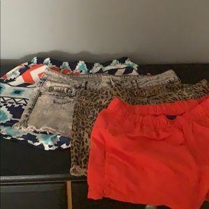 4 pairs of shorts Haul: Patagonia, rue 21, Bullhea